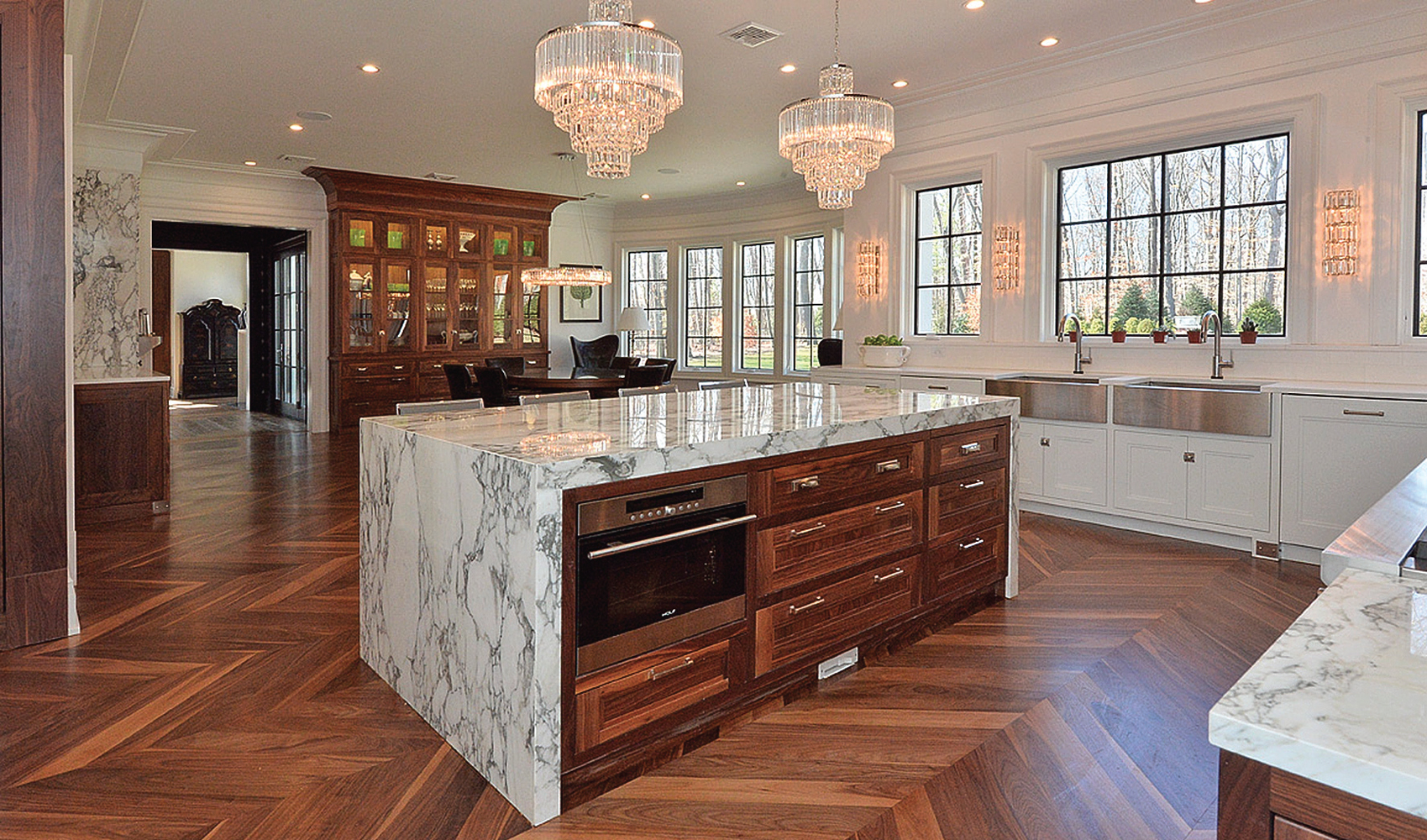 The Lure of Luxury Kitchens