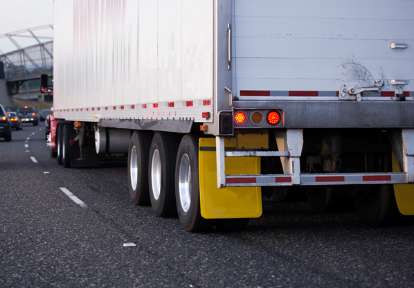 Tractor-Trailer Leaks Tar On I-295...