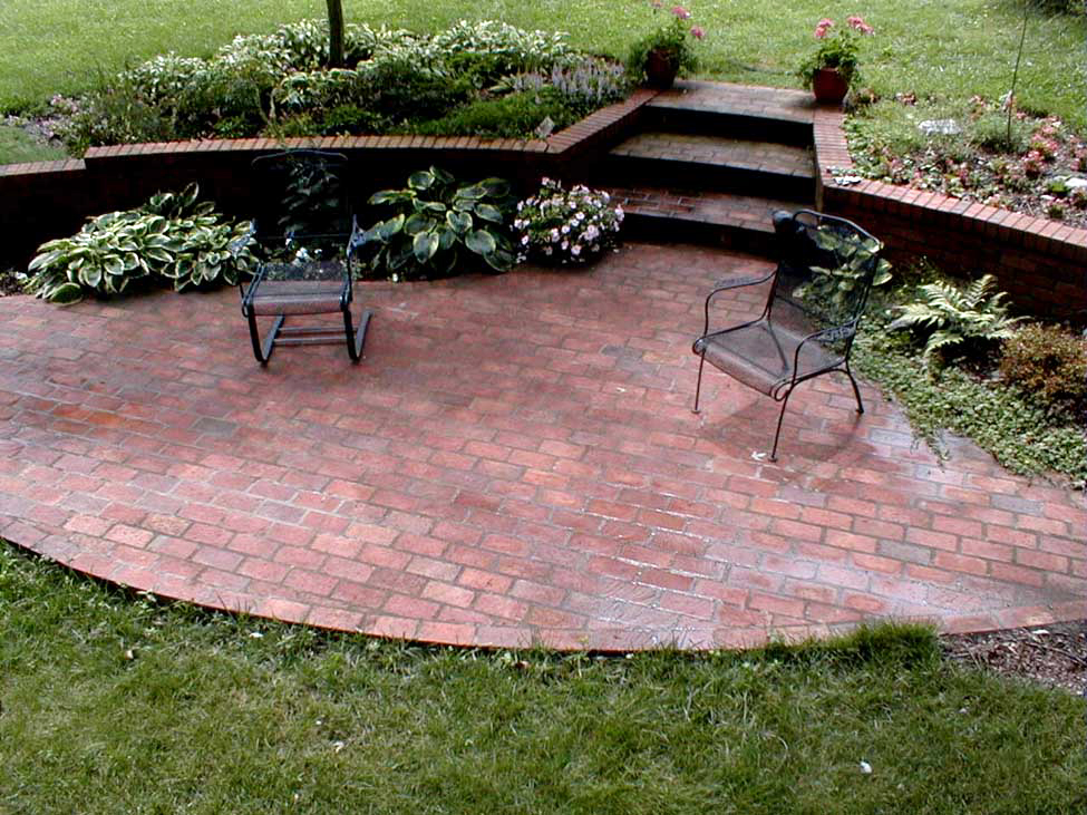 Patio how to build a brick patio for Landscaping bricks